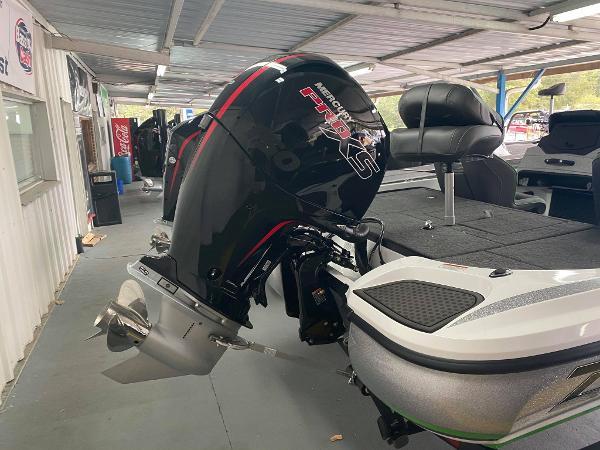 2021 Nitro boat for sale, model of the boat is Z18 & Image # 6 of 6