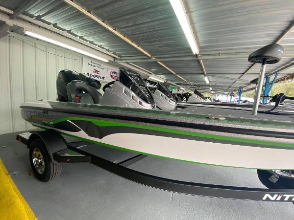 2021 Nitro boat for sale, model of the boat is Z18 & Image # 3 of 6