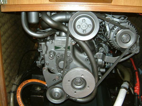 Feeling 326 Lift Keel engine