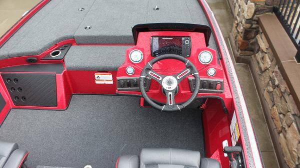 2021 Nitro boat for sale, model of the boat is Z18 & Image # 5 of 60