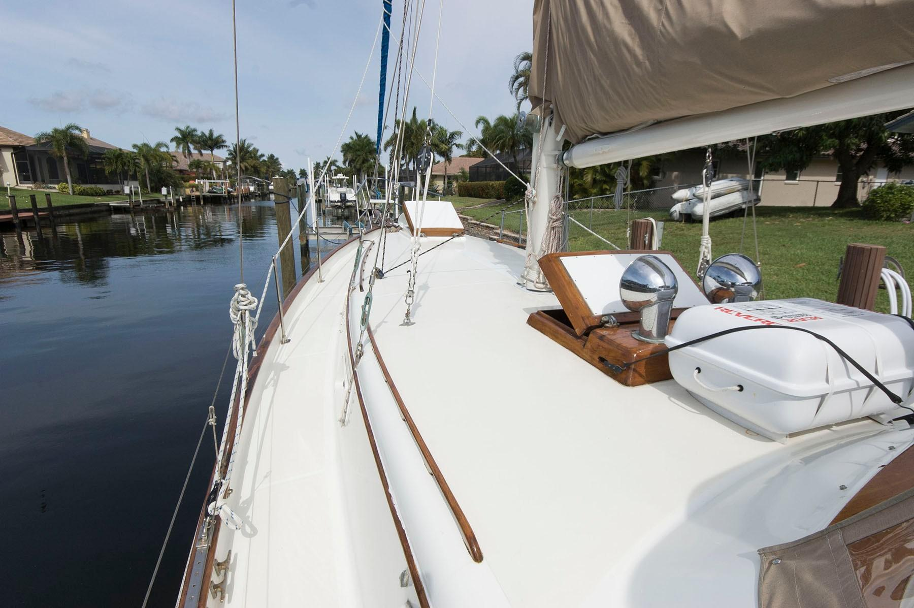 F 4794 SK Knot 10 Yacht Sales