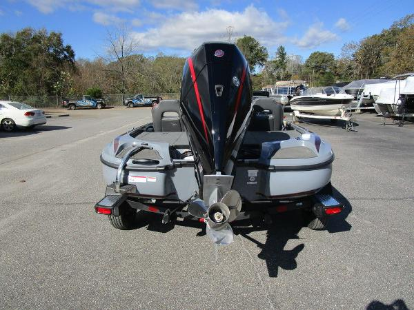 2021 Nitro boat for sale, model of the boat is Z18 Pro & Image # 9 of 46