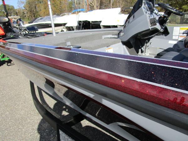 2021 Nitro boat for sale, model of the boat is Z18 Pro & Image # 10 of 46