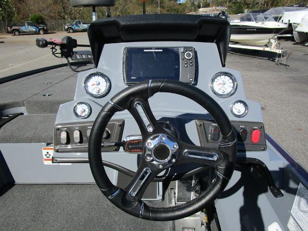 2021 Nitro boat for sale, model of the boat is Z18 Pro & Image # 45 of 46