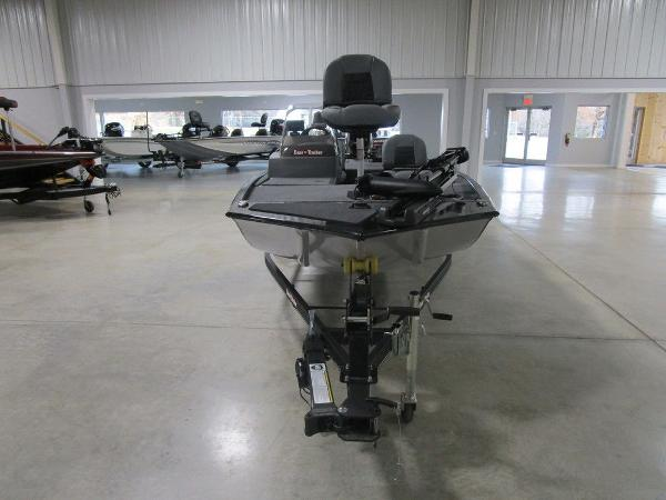 2021 Tracker Boats boat for sale, model of the boat is BASS TRACKER® Classic XL & Image # 2 of 35