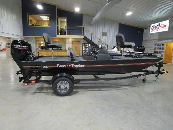 2021 Tracker Boats boat for sale, model of the boat is BASS TRACKER® Classic XL & Image # 4 of 35