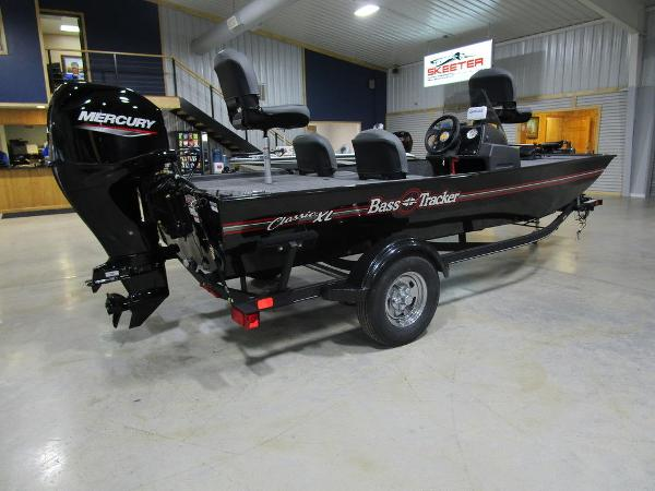 2021 Tracker Boats boat for sale, model of the boat is BASS TRACKER® Classic XL & Image # 6 of 35