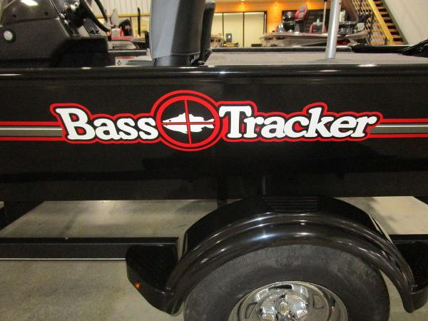 2021 Tracker Boats boat for sale, model of the boat is BASS TRACKER® Classic XL & Image # 9 of 35