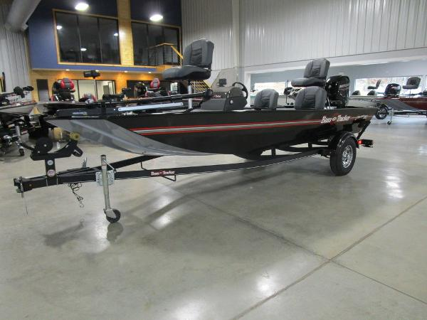 2021 Tracker Boats boat for sale, model of the boat is BASS TRACKER® Classic XL & Image # 10 of 35