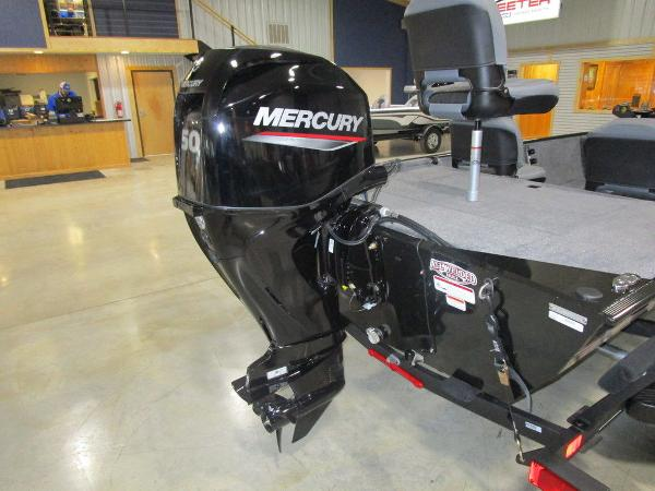 2021 Tracker Boats boat for sale, model of the boat is BASS TRACKER® Classic XL & Image # 11 of 35