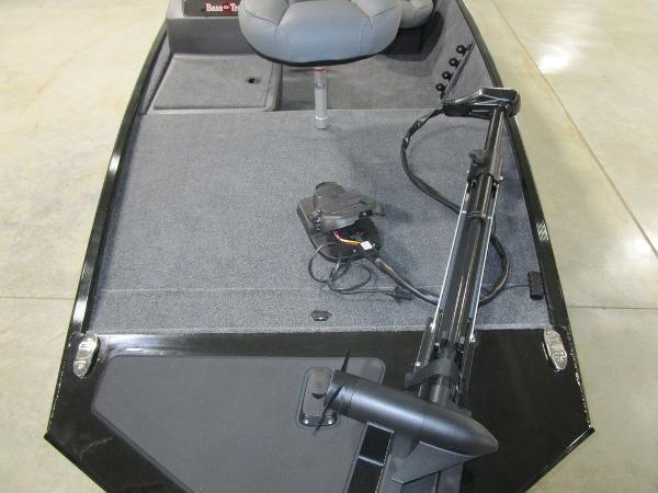 2021 Tracker Boats boat for sale, model of the boat is BASS TRACKER® Classic XL & Image # 13 of 35