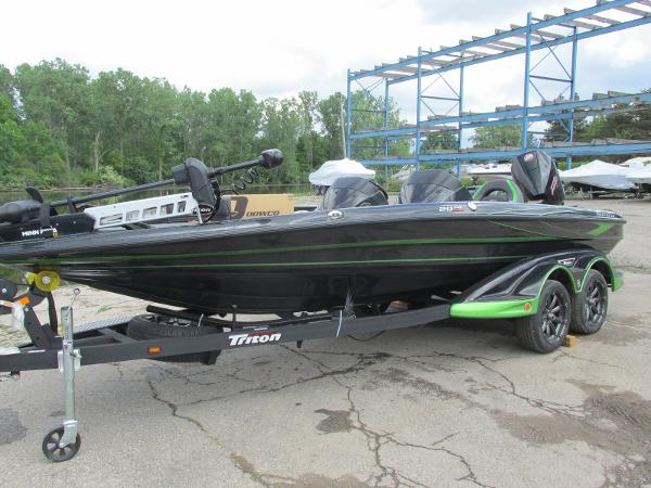 2021 Triton boat for sale, model of the boat is 20TRX & Image # 3 of 25