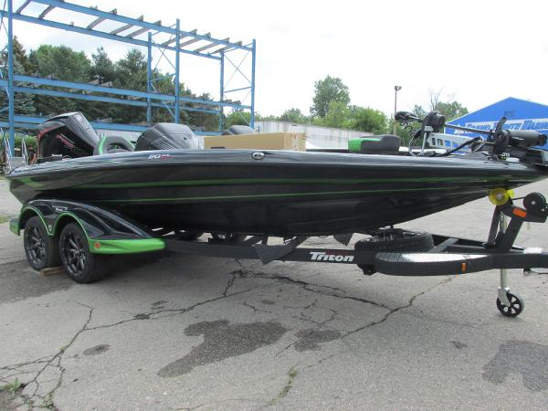 2021 Triton boat for sale, model of the boat is 20TRX & Image # 6 of 25