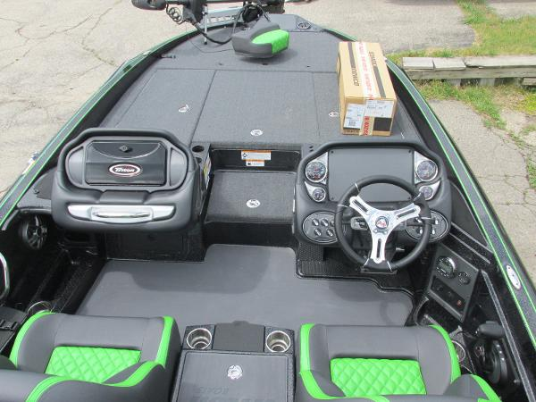 2021 Triton boat for sale, model of the boat is 20TRX & Image # 7 of 25