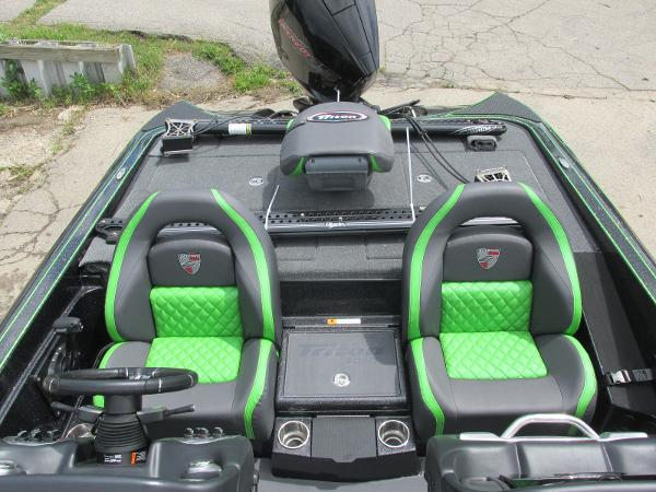 2021 Triton boat for sale, model of the boat is 20TRX & Image # 18 of 25