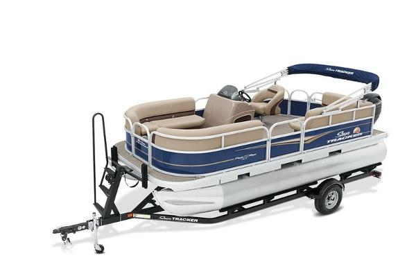 2021 Sun Tracker boat for sale, model of the boat is PARTY BARGE® 18 DLX & Image # 1 of 1