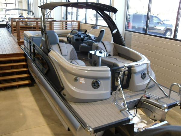 2021 Manitou boat for sale, model of the boat is RFX 25 LX SHP 575 & Image # 12 of 43