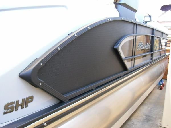 2021 Manitou boat for sale, model of the boat is RFX 25 LX SHP 575 & Image # 18 of 43