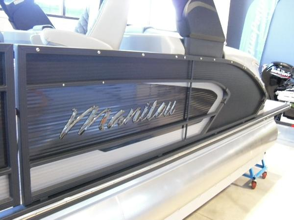2021 Manitou boat for sale, model of the boat is RFX 25 LX SHP 575 & Image # 28 of 43