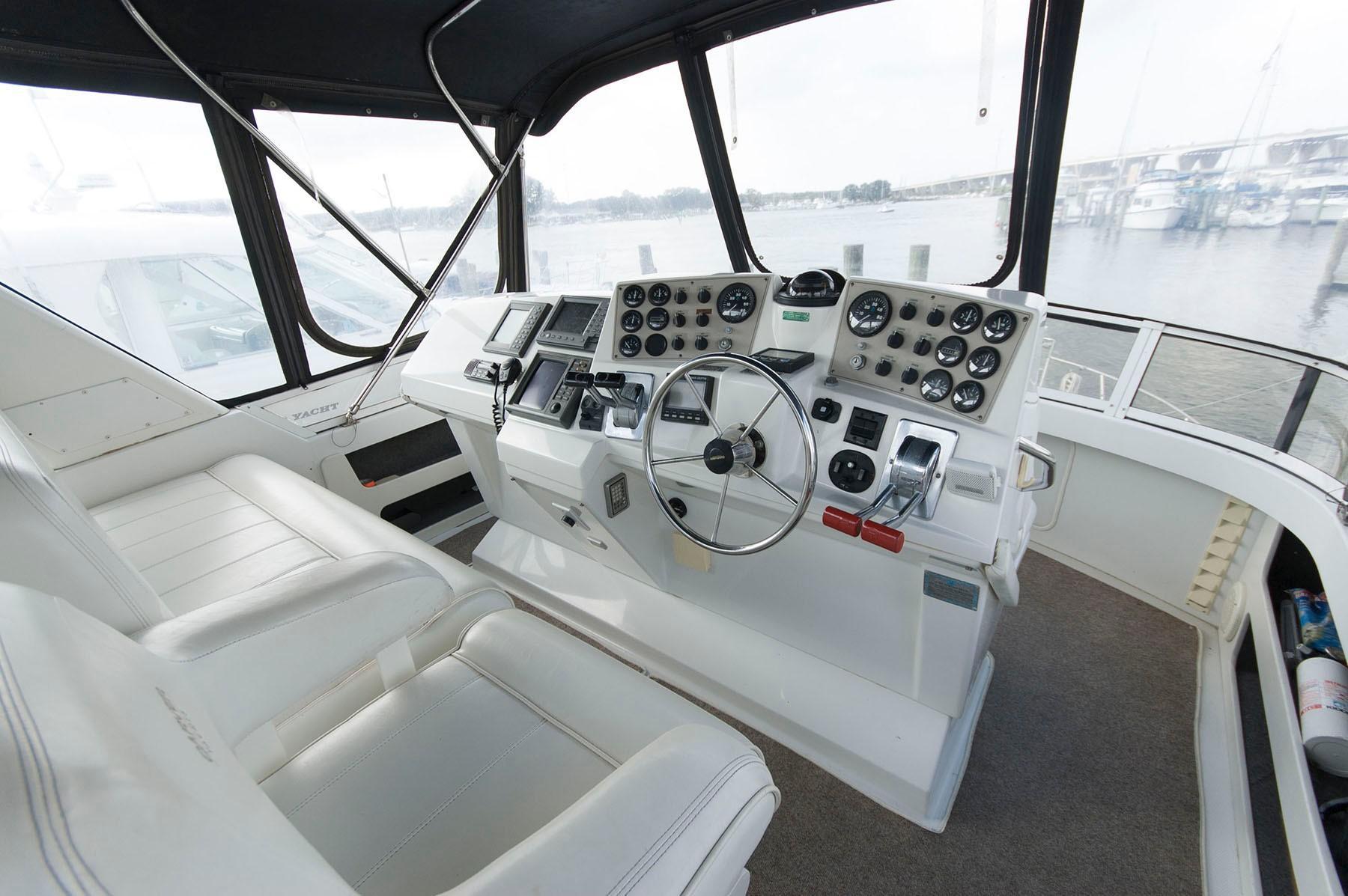 M 4569 JP Knot 10 Yacht Sales