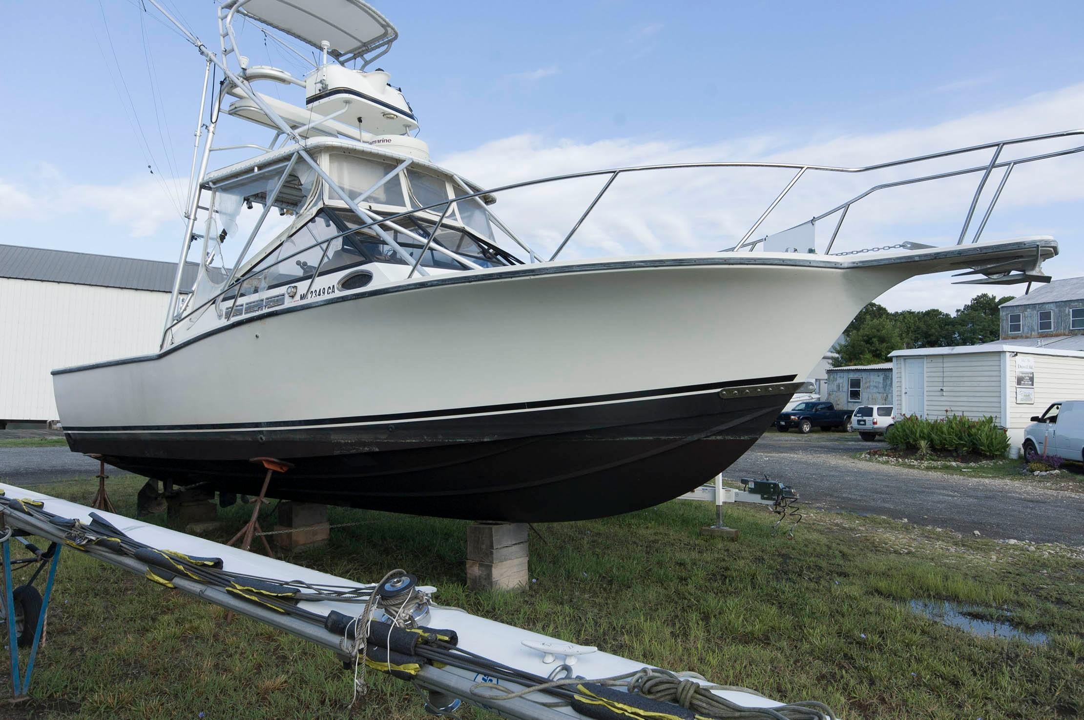 M 5200 BW Knot 10 Yacht Sales