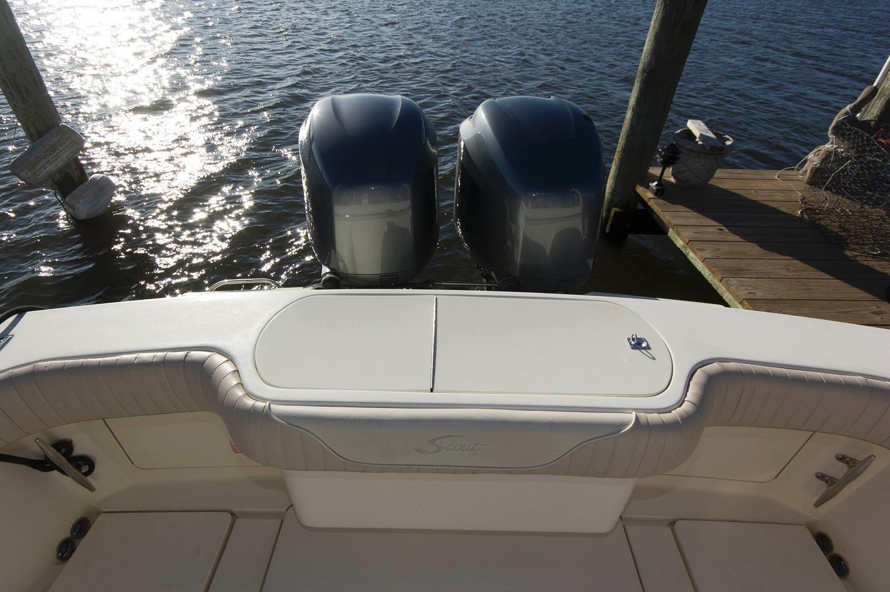 M 5698 TW Knot 10 Yacht Sales