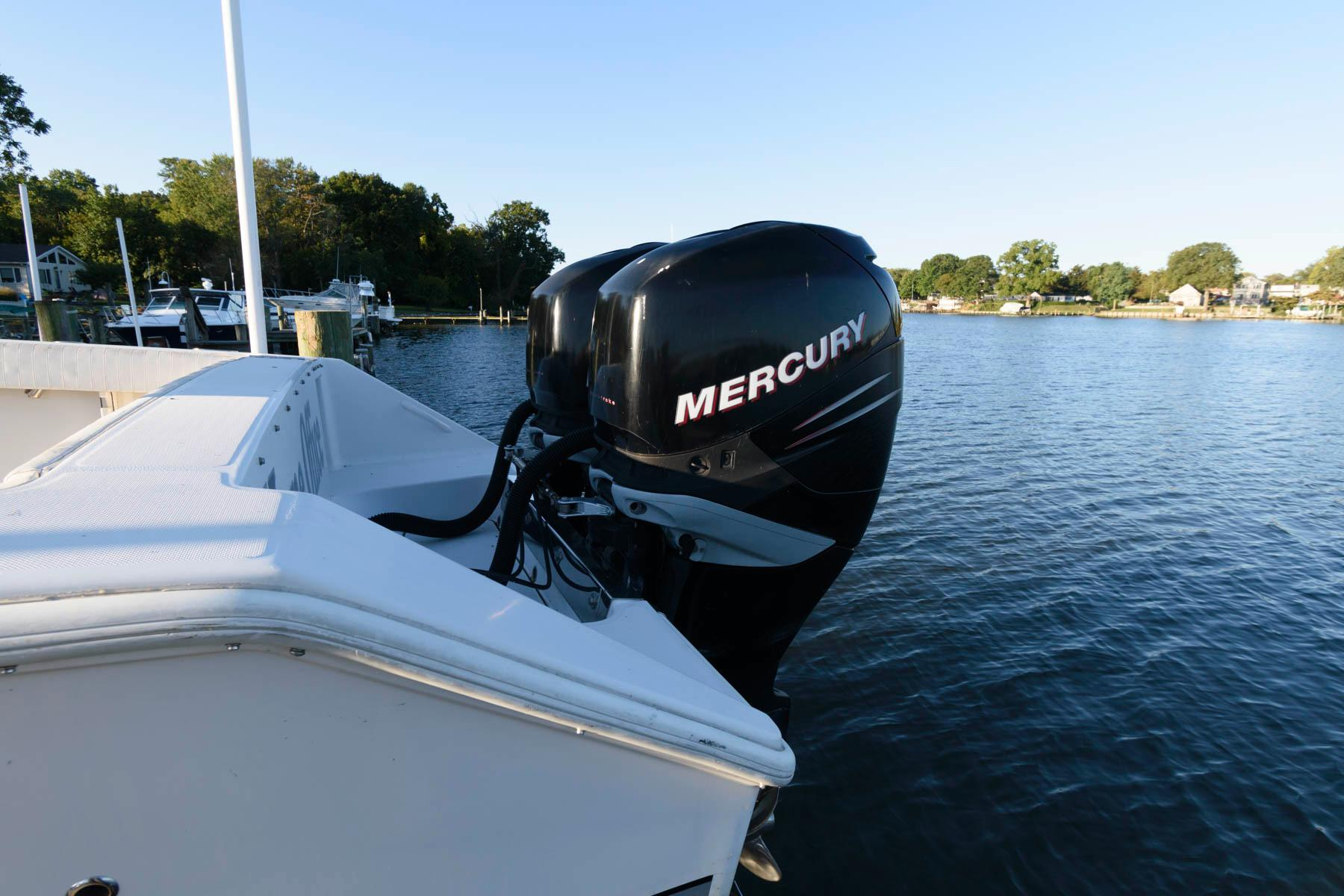 M 6565 RD Knot 10 Yacht Sales