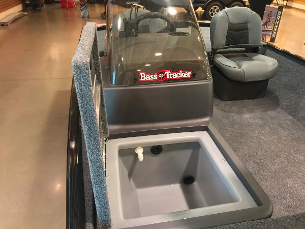 2021 Tracker Boats boat for sale, model of the boat is Bass Tracker Classic XL & Image # 14 of 30