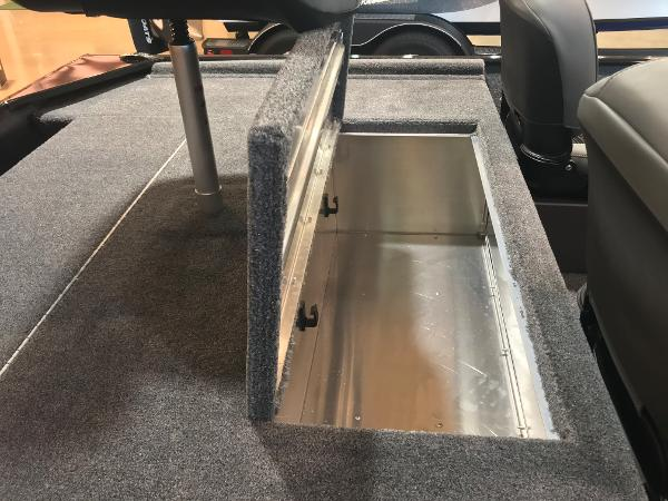 2021 Tracker Boats boat for sale, model of the boat is Bass Tracker Classic XL & Image # 18 of 30
