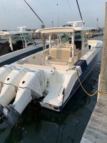 2019 Boston Whaler 380 Outrage