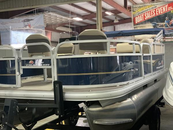 2021 Sun Tracker boat for sale, model of the boat is SBB16XLSB & Image # 2 of 11