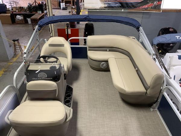 2021 Sun Tracker boat for sale, model of the boat is SBB16XLSB & Image # 5 of 11