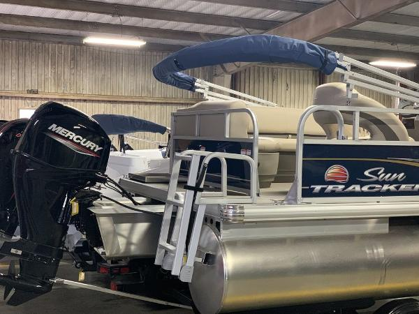 2021 Sun Tracker boat for sale, model of the boat is SBB16XLSB & Image # 7 of 11