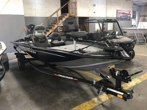 2021 Tracker Boats boat for sale, model of the boat is PT175TF & Image # 2 of 9