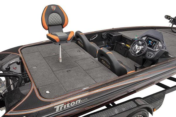 2021 Triton boat for sale, model of the boat is 19 TRX Patriot & Image # 7 of 12