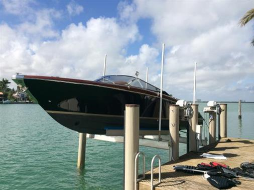 2008 Riva 33 Cento - Profile on LIft