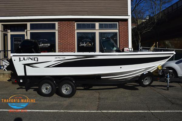 2021 Lund boat for sale, model of the boat is 1975 Tyee® Sport & Image # 2 of 24