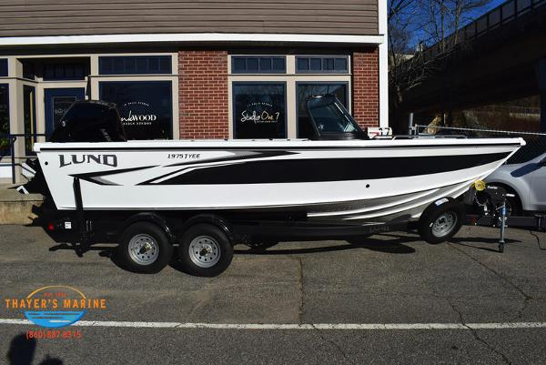 2021 Lund boat for sale, model of the boat is 1975 Tyee® Sport & Image # 3 of 24