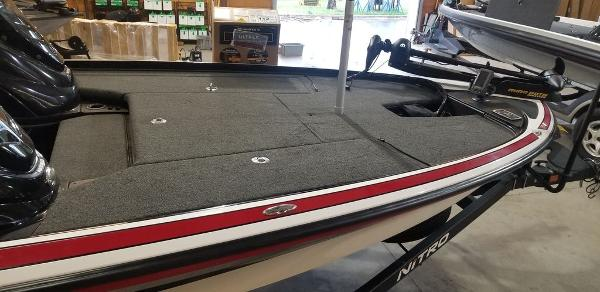 2017 Nitro boat for sale, model of the boat is Z20 & Image # 7 of 18