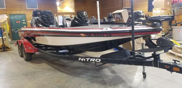 2017 Nitro boat for sale, model of the boat is Z20 & Image # 8 of 18
