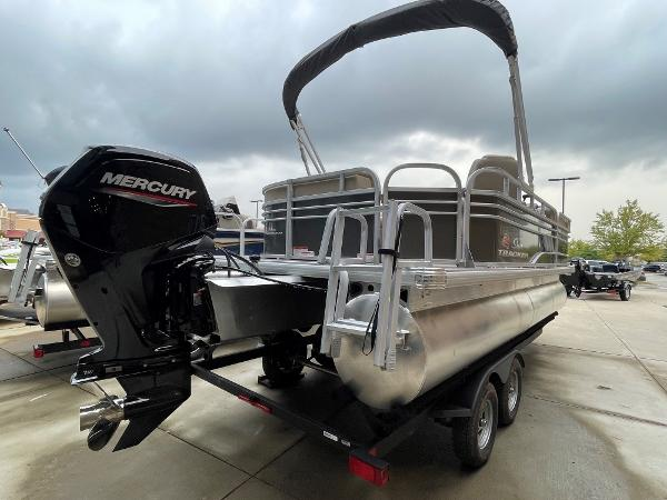 2021 Sun Tracker boat for sale, model of the boat is Party Barge 20 DLX & Image # 4 of 9