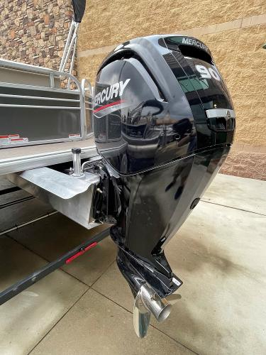 2021 Sun Tracker boat for sale, model of the boat is Party Barge 20 DLX & Image # 6 of 9