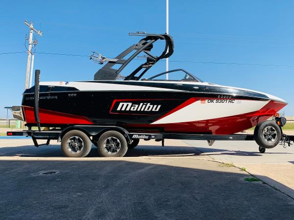 2019 Malibu boat for sale, model of the boat is Wakesetter 22 LSV & Image # 3 of 46