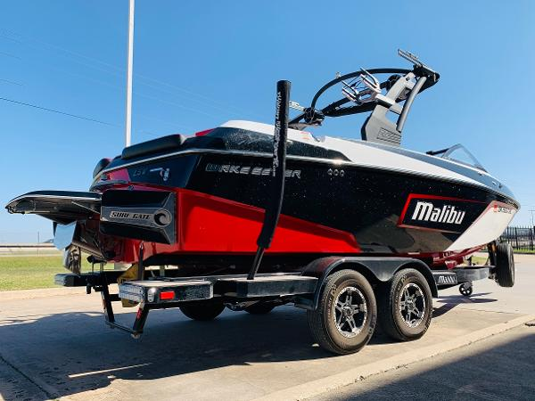 2019 Malibu boat for sale, model of the boat is Wakesetter 22 LSV & Image # 4 of 46