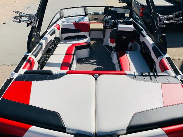 2019 Malibu boat for sale, model of the boat is Wakesetter 22 LSV & Image # 8 of 46