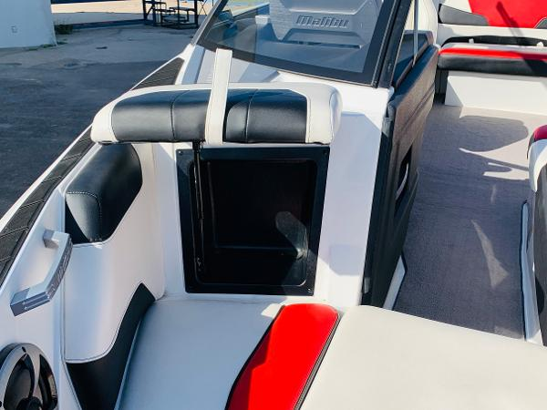 2019 Malibu boat for sale, model of the boat is Wakesetter 22 LSV & Image # 10 of 46
