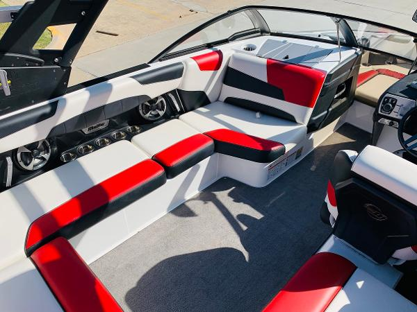 2019 Malibu boat for sale, model of the boat is Wakesetter 22 LSV & Image # 15 of 46