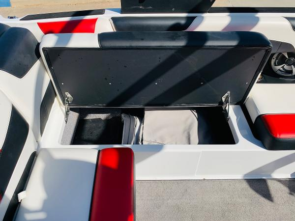 2019 Malibu boat for sale, model of the boat is Wakesetter 22 LSV & Image # 21 of 46