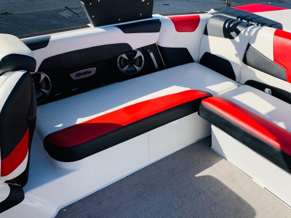 2019 Malibu boat for sale, model of the boat is Wakesetter 22 LSV & Image # 25 of 46