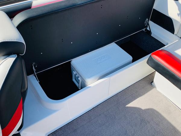 2019 Malibu boat for sale, model of the boat is Wakesetter 22 LSV & Image # 26 of 46